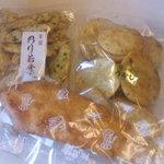 野中米菓店工場 - 料理写真:おせんべい色々