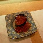 ひょうたん寿司 - 今日はこぼれが多い、イクラ