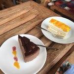 イトウヤカフェ - 『チョコケーキ』400円 『フルーツケーキ』400円