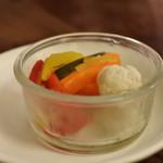 ルージュエブランコウハク - 彩り野菜のピクルス¥280