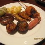 Kyoutokitayamadainingu - 串カツ、たこ焼き、ロールキャベツなど