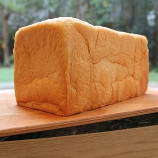 生食パン【極】好評販売中!¥800
