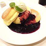 幸せのパンケーキ -  チーズベリー・マスカルポーネクリーム・生クリーム