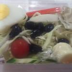ルンルアン お菓子処 - サラダ(この日は卵が半分だった)