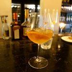 87493583 - ブランデー・オレンジの皮ベースのカクテル