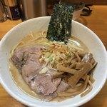 永太 - 料理写真:塩ラーメン 中盛 ¥850