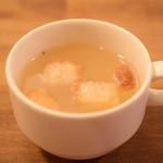 目黒FLAT - ロコモコランチ@税込1,000円:スープも付いております。