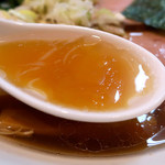 中華そば 万来之陣 - 醤油中華そば・白トリュフオイル(750円)+味玉(ランチタイムサービス)