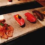 87496258 - 右から、牛タンのうなぎ寿司、赤身握り、雲丹キャビア握り、ミスジの炙り握り