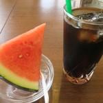 フィフティ・ワン - ランチに付くデザートとコーヒー