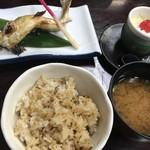まる八 - 鮎塩焼き、鮎ご飯、味噌汁、デザート