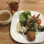 森のロマン亭 - サラダ、スープ、ドリンク