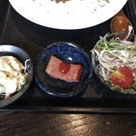 むちゃく - 小鉢の2品と野菜サラダ