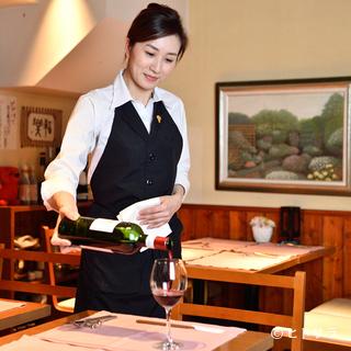 どんな料理とのマリアージュも楽しめるソムリエセレクトのワイン