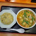 天理スタミナラーメン - 料理写真:スタミナ・ヤキメシセットW
