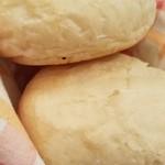 ビストロ・デ・ポン - 「自家製焼き立てパン」