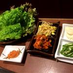 焼肉牧場やまがき - 巻き野菜