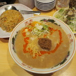 博多拉担麺 まるたん - ミニチャーハンとセット 650円