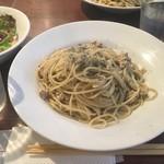 バル ペロタ - * 鶏挽肉とタブナードのパスタ (税込)1,000円