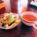 サヴァサヴァ - ランチのスープとサラダ