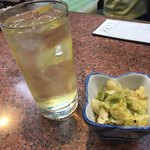 三祐酒場 - 料理写真:元祖焼酎ハイボール、お通し/キャベツ煮物