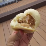 551蓬莱 - 料理写真:1806_551蓬莱 大阪空港店_豚饅(2個)@340円 餡がジューシー!