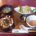 鶏鳴厨房 てんか鶏 - ひつまぶし御膳 880円