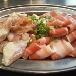 お好み焼肉道とん堀 - 二回戦は、豚カルビ・鶏ハラミ
