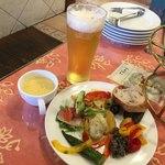キャナリィ・ロウ - 楽しくて美味しい前菜と、昼からビール!