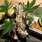 吉祥寺 三うら - 蒸し牡蠣