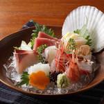寅福 - 産直鮮魚の刺身盛り合わせ