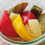 ヴィレッジ ヴァンガード ダイナー - ローズマリー風味の自家製ピクルス