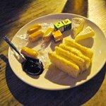 ミッドウェイ - チーズの盛り合わせ