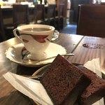 やじろべえ珈琲店 - ブルマン(驚異の500円内税)とチョコレートケーキ(300円内税)