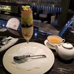 87533244 - クープメロンフレとTOSHI オリジナル紅茶(マスカット&レモン)