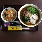 中華レストラン 紅華 - ミニ丼セット ¥830                                                          カレーラーメン&ミニ紅華丼
