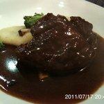 アンドラ - 牛フィレ肉の赤ワインソース添え