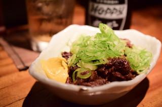 鳥酎 飯田橋 - 牛どて煮@580円+税