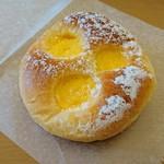 87547606 - ふわトロクリームパン