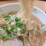 中華そば きくま - 麺リフト