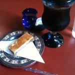 光原社 可否館 - アイスコーヒーとくるみクッキー