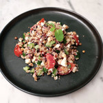 87552168 - キヌアとレンズ豆のサラダ