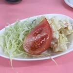 亀戸やきそば - ポテトサラダとコールスロー(100円)