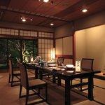 観山荘別館 - 粋な大人の空間を演出。「夜会座」スタイル。
