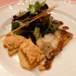 ピッツェリア・サバティーニ - 豚肉のカナッペと里芋のテリーヌ・粒マスタードと蜂蜜のソース