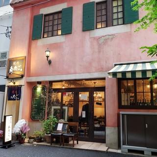 1Fにある有名店「ハングリータイガー」が運営する焼肉店!