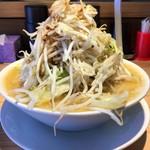 麺屋 本日も晴天です - 料理写真:「味噌ラーメン」野菜大盛り(無料)800円也。税込。