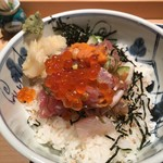 みわ久 - 旨・海鮮丼 の丼