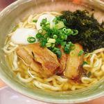 87575421 - アーサそば @750円                       たまに食べたくなる、沖縄そば。立ち食い蕎麦感覚で気軽においしい沖縄そばが楽しめます。