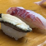 大松寿司 - 鮑と・・イサキのようにも見えますけれど。